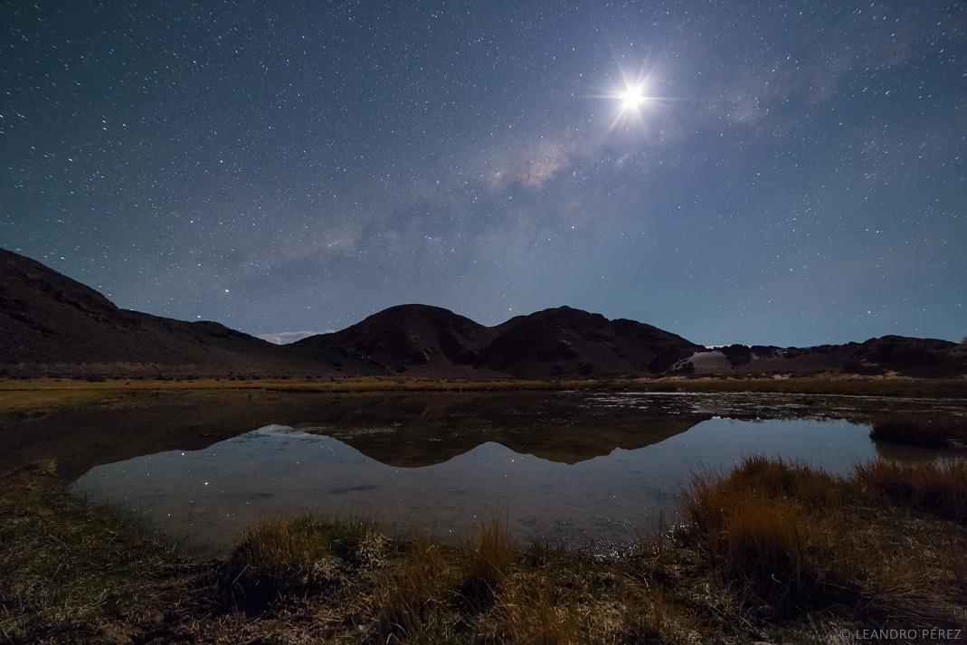 Vía Láctea y Luna